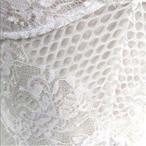 Tops - Lace bodysuite